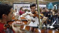 Flashmob músicos en el metro de Madrid