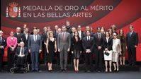 El presidente del Teatro Real Gregorio Marañón recibe la medalla de oro al mérito en las Bellas Artes
