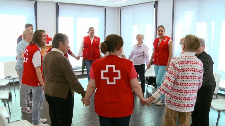 Cerca de 243.000 personas mayores son atendidas por Cruz Roja anualmente