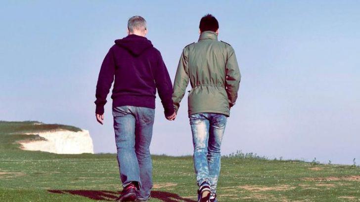 Las personas LGTB tienden a volver al armario a partir de los 50 años, según un estudio
