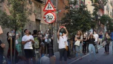 Se saltan el estado de alarma para celebrar una fiesta en plena calle