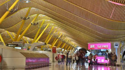 El número de pasajeros en los aeropuertos se desploma