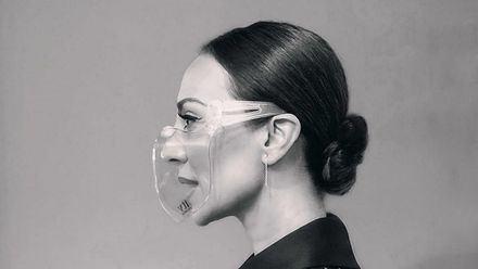 Monica Naranjo muy critica en las redes por su mascarilla trasparente
