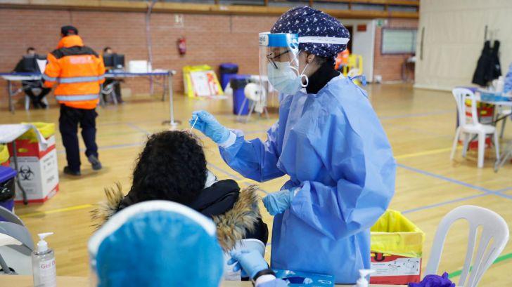 Madrid se prepara para la tercera ola: Test de antígenos masivos para jóvenes a la vuelta de Navidad