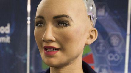 Sophia: El robot que ayudará en la lucha contra la pandemia