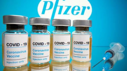 ¿Qué vacuna protege contra las variantes británica y sudafricana?