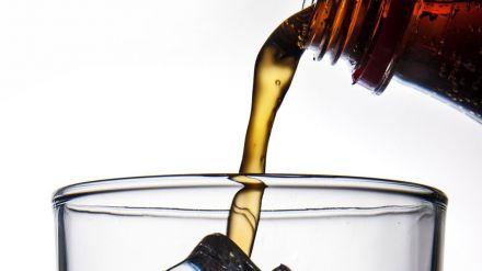 Las bebidas con cola y sus interacciones farmacológicas