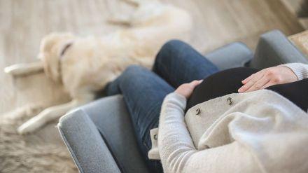 Las mujeres embarazadas con COVID-19 corren más riesgos de desarrollar preeclampsia