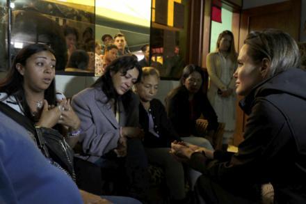Angelina Jolie visita a migrantes venezolanos en Perú