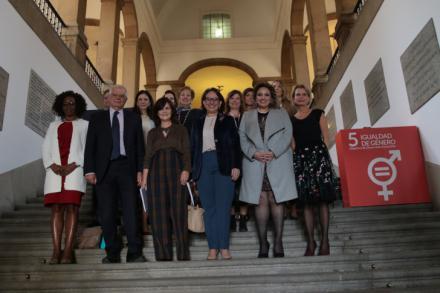 Calvo: 'Ha llegado el momento de decidir, legislar y obligar por la igualdad'