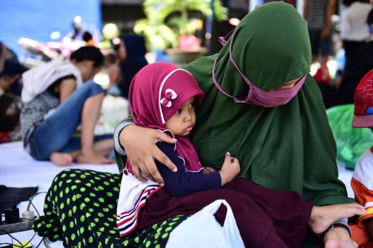Empieza la identificación de los niños que se han quedado solos en Indonesia
