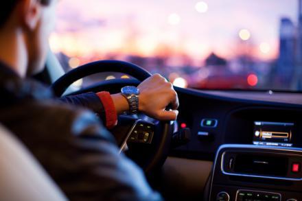Las distracciones causan uno de cada tres accidentes mortales